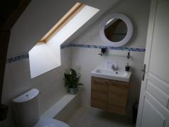 Le Noyer bathroom